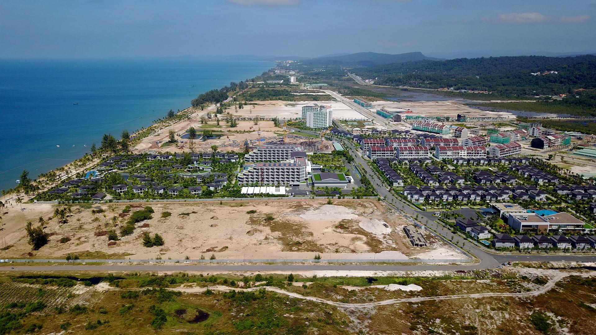 Trước ngày trở thành đặc khu kinh tế, Phú Quốc được nhiều giới đầu tư quan tâm đổ về giao dịch bất động sản. Ảnh: Zing
