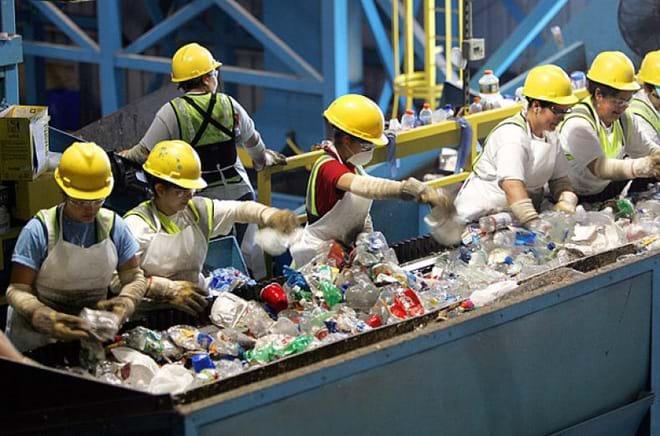 Các nước trên thế giới đã làm gì để thúc đẩy hoạt động tái chế chất thải rắn?