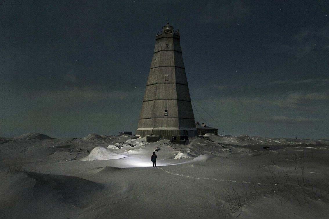 Những bức ảnh về nhà khí tượng học 30 năm cô độc tại Bắc Cực